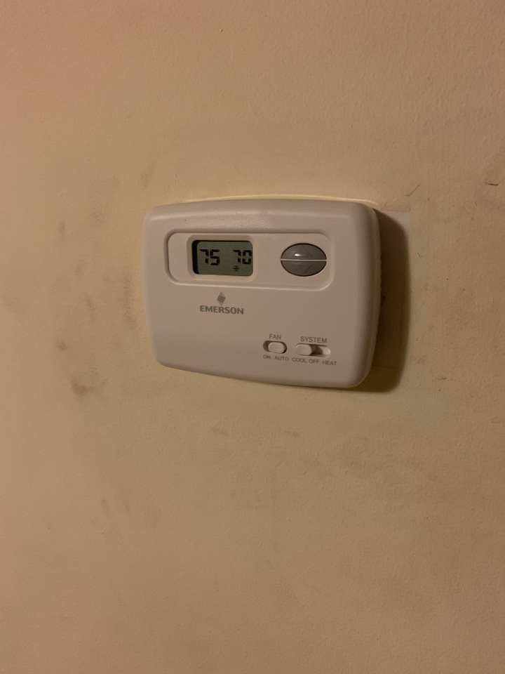 West Bloomfield Township, MI - New thermostat!