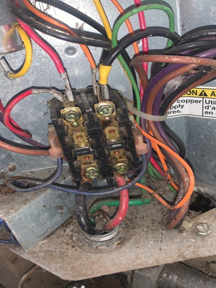 Oak Park, MI - York A/C, no cooling: Bad fan motor and contactor