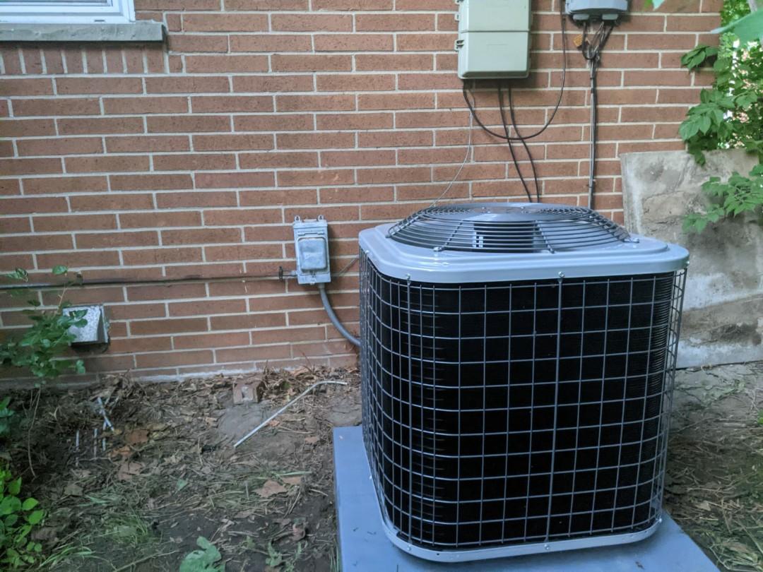 Oak Park, MI - Comfortmaker air conditioner install