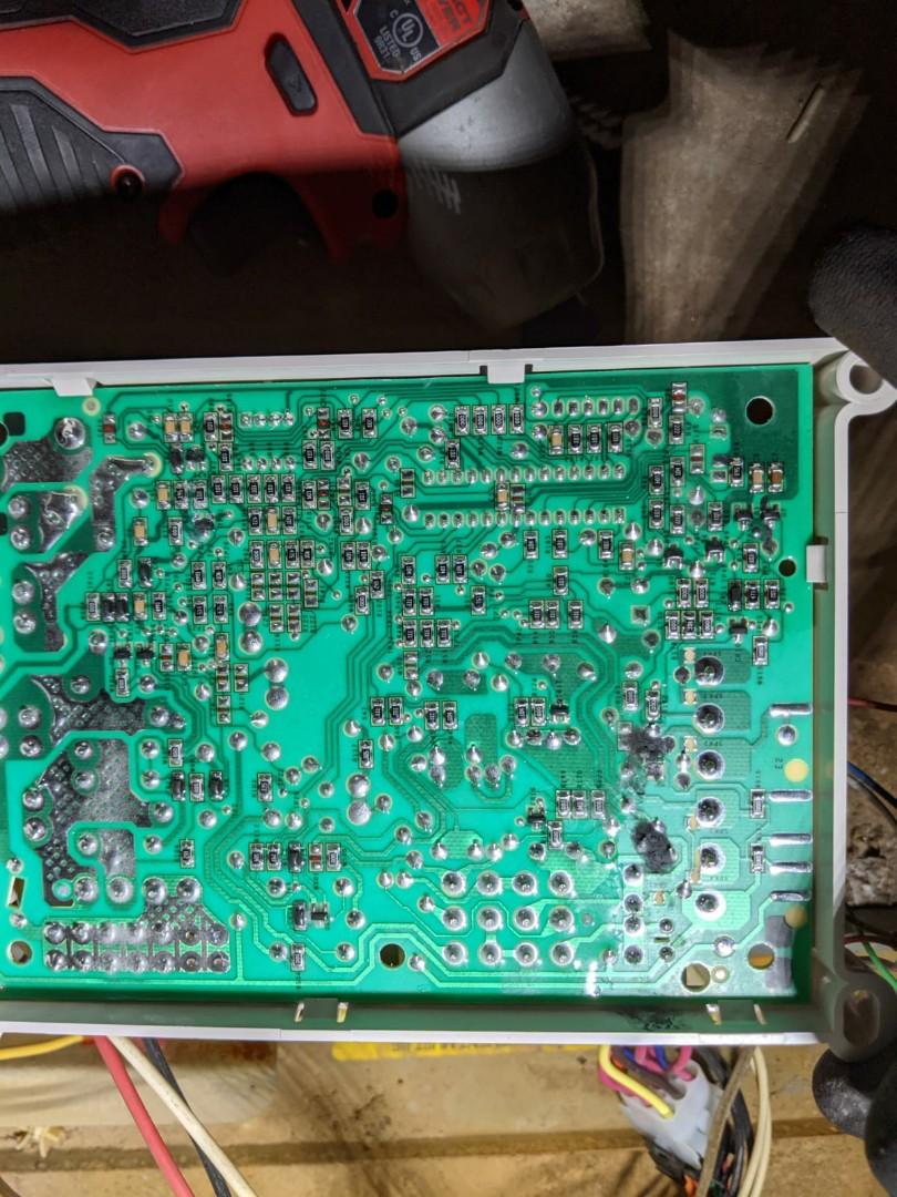 Detroit, MI - Heat controller condenser. Bad board.