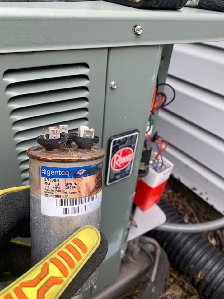 Berkley, MI - Rheem A/C, no cooling: Bad Capacitor