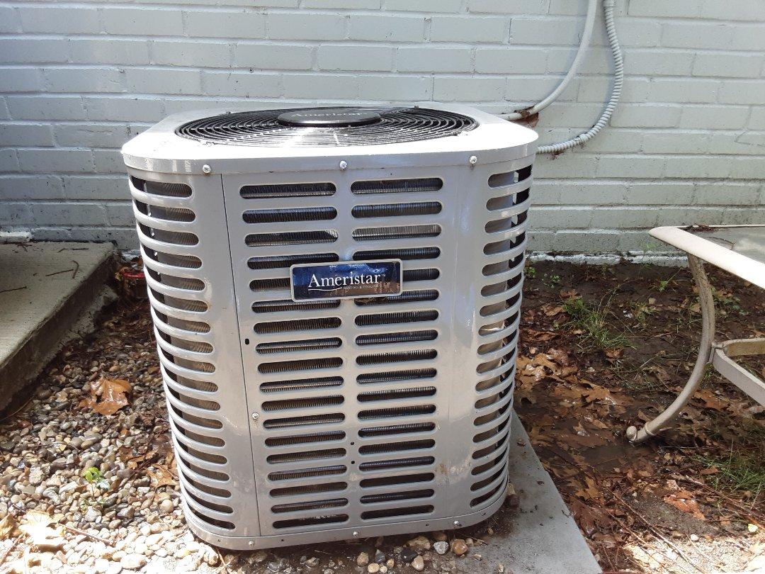 Oak Park, MI - Ameristar condenser. Low AC