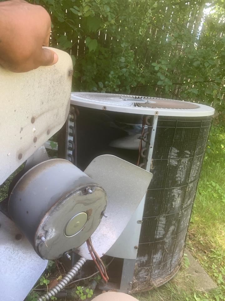 Oak Park, MI - ComfortMaker, No A/C: Bad Fan Motor