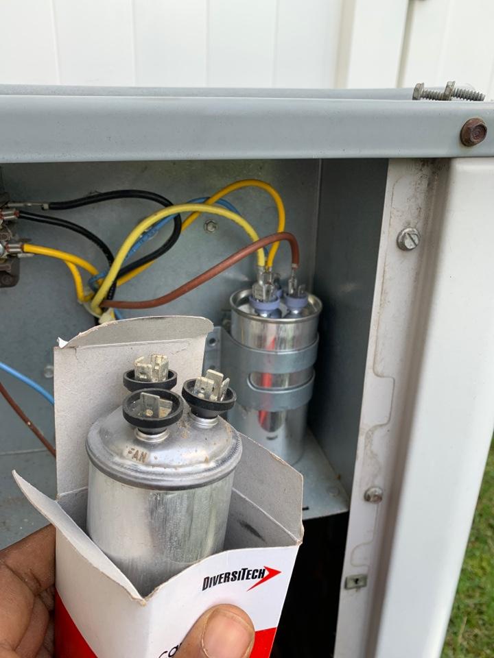 Livonia, MI - Carrier, No A/C: Bad Capacitor