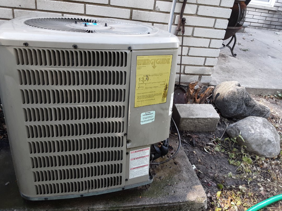 Southfield, MI - GMC air conditioner repair.