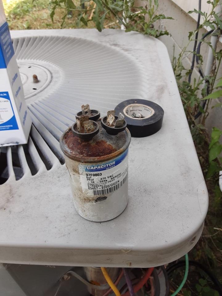 Detroit, MI - Goodman A/C, No Cooling: Bad Capacitor