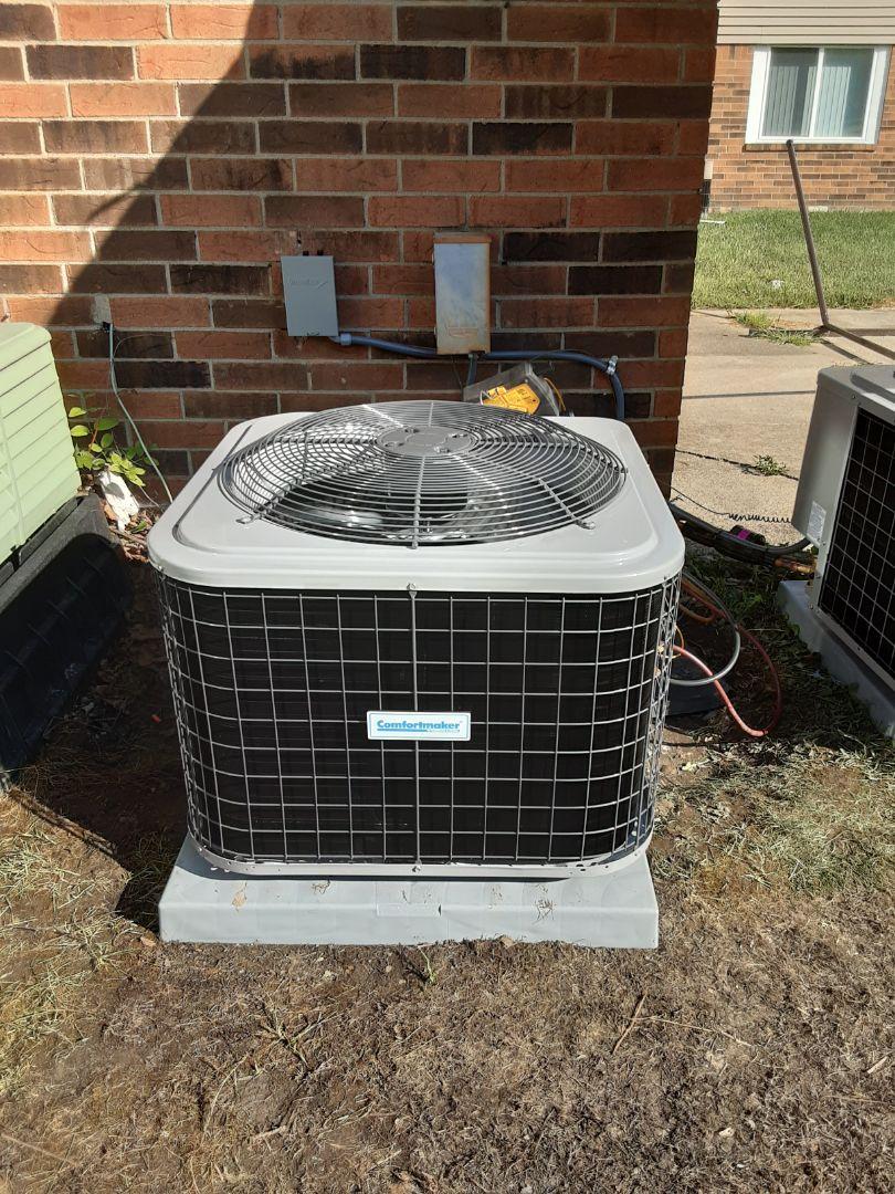 West Bloomfield Township, MI - Comfortmaker air conditioner install