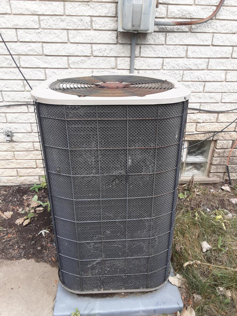 Southfield, MI - Air conditioner low on Freon