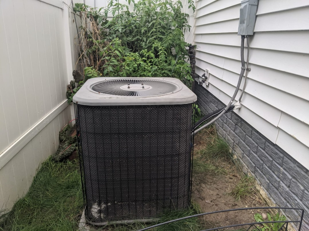 Berkley, MI - Lennox furnace and AC clean and check.