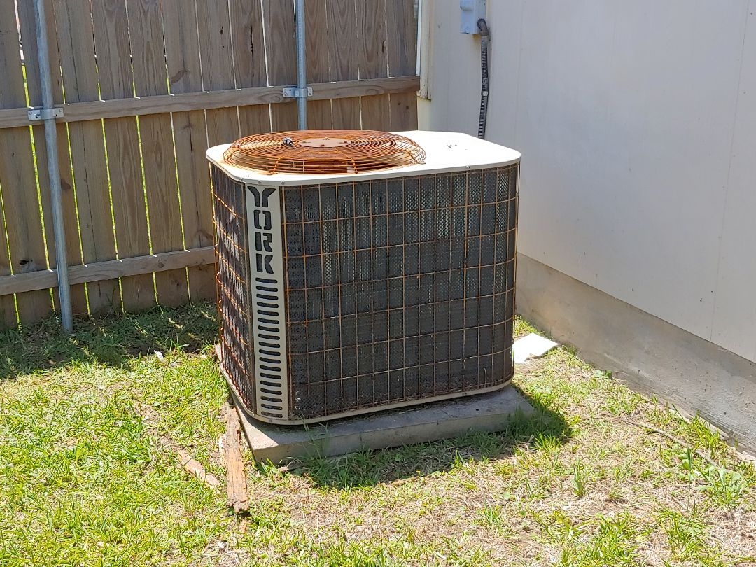 Hutto, TX - Service call A/C Not cooling