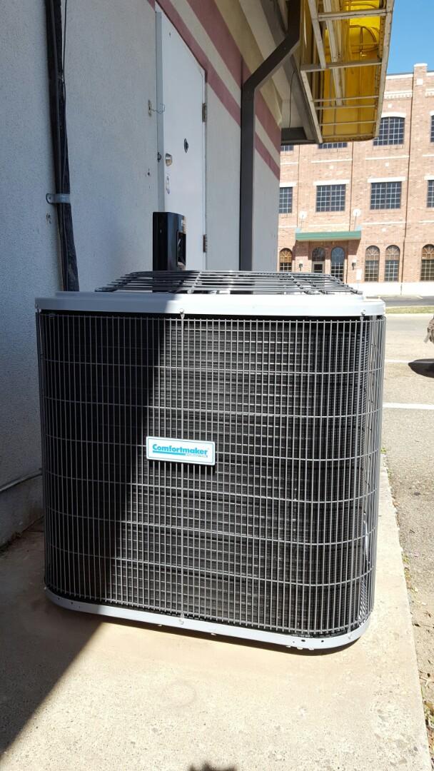 Amarillo, TX - New Comfortmaker air conditioner installation.