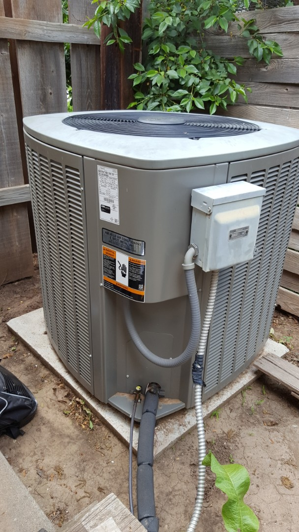 Amarillo, TX - Air conditioning system cooling check.