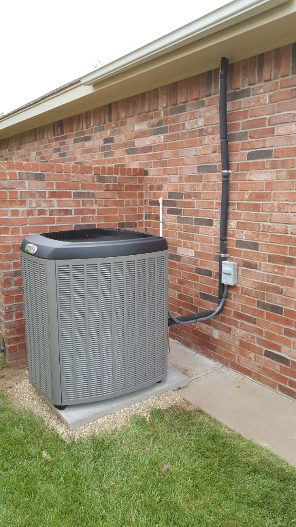 Amarillo, TX - New high efficiency Lennox Air conditioner and heating system installation.