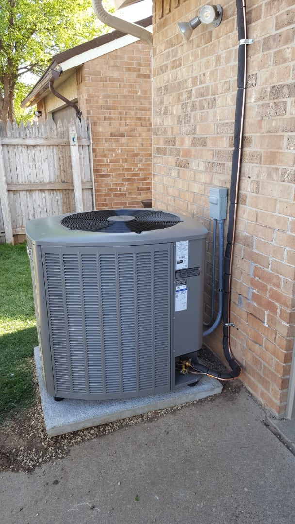 Amarillo, TX - New high efficiency Lennox Air conditioner install.