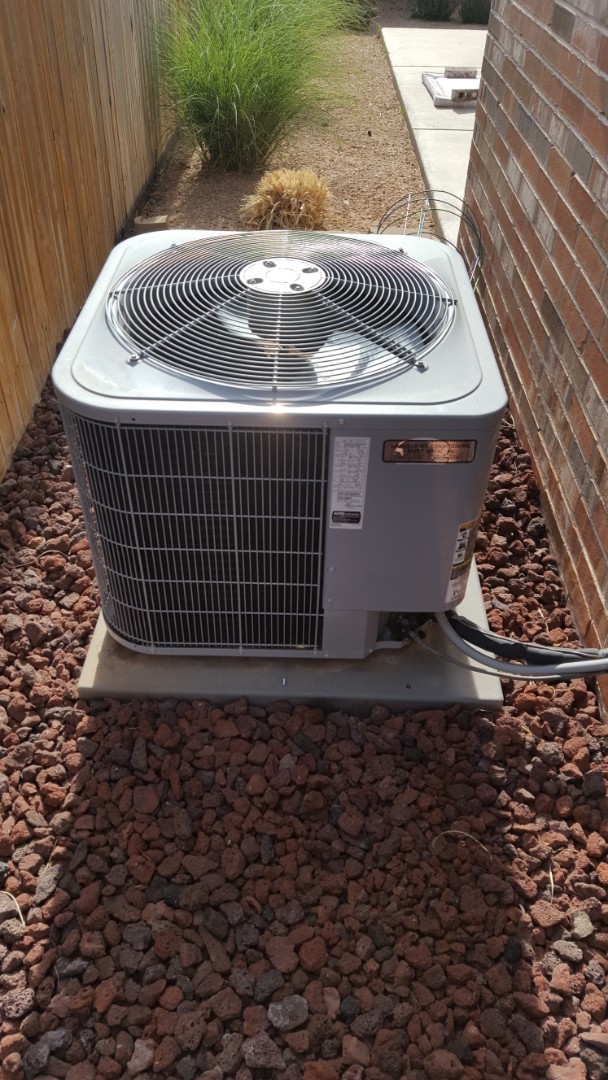 Amarillo, TX - Carrier heatpump not cooling repair. Replaced a capacitor with a 5 year warranty