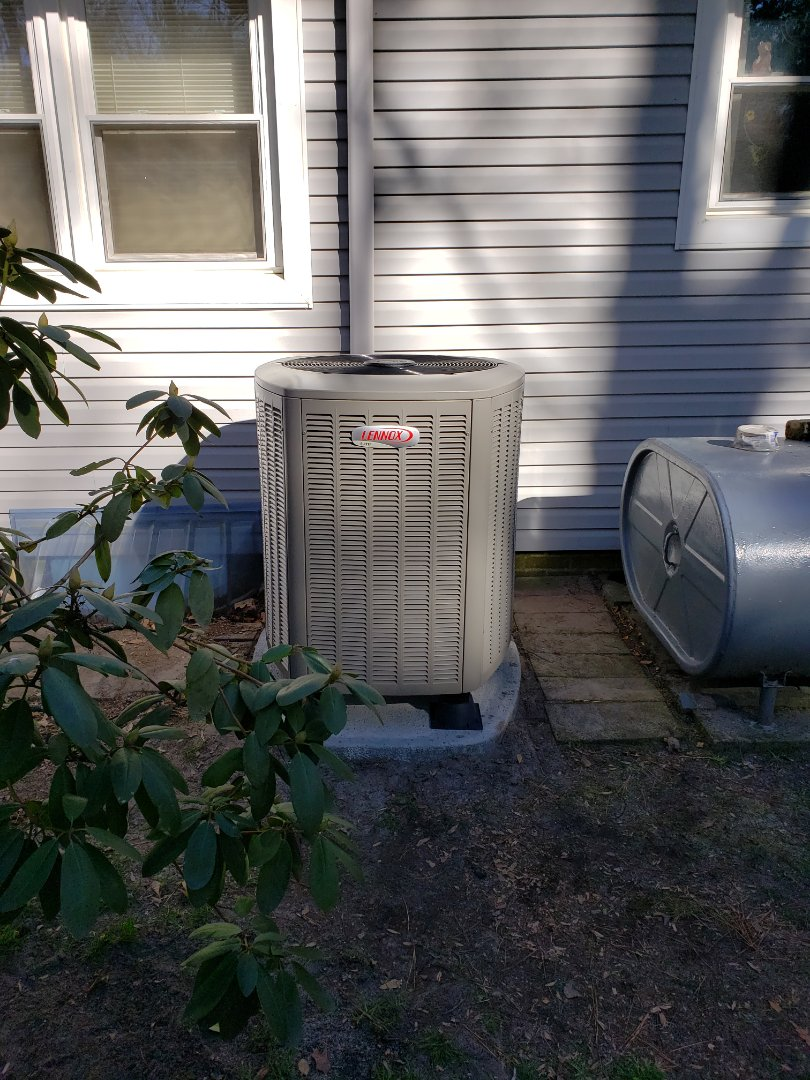 Salisbury, MD - Installing a new Lennox heatpump system in a single family home in Salisbury Maryland