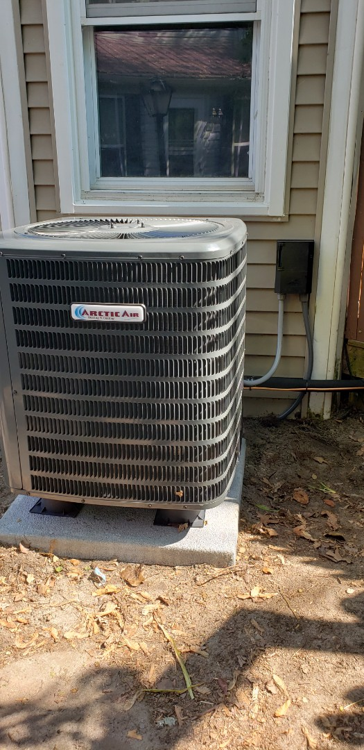 Berlin, MD - Installing arctic air Ac unit in the coolest small town Berlin Md.