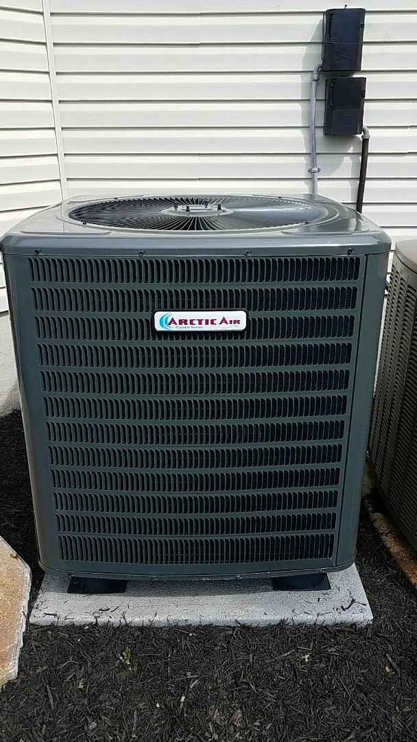 Bishopville, MD - Completing installation of Arctic Air Heat Pump coastal series for a family in Bishopville MD