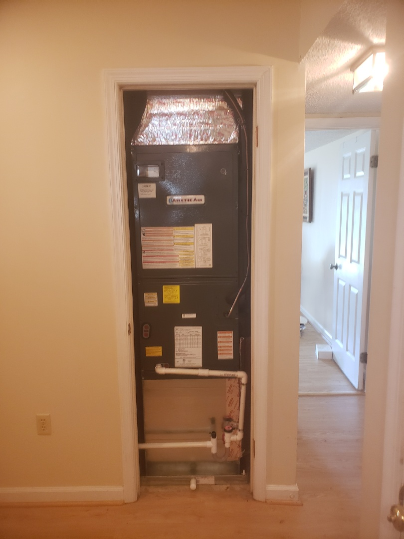 Ocean Pines, MD - Installing a new 16seer  heat pump system in a single family home in Ocean pines MD