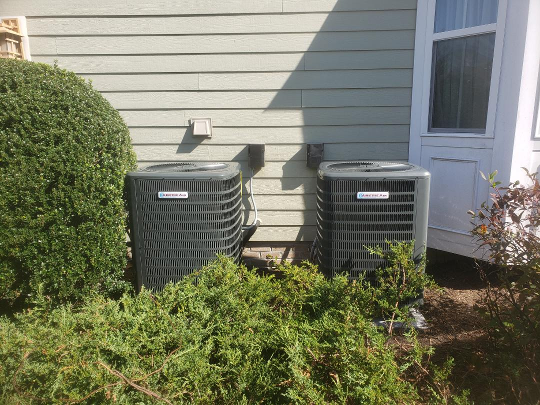 Selbyville, DE - Installing two new 16 seer Heatpump systems with dual fuel setup in a single family home in Selbyville DE.