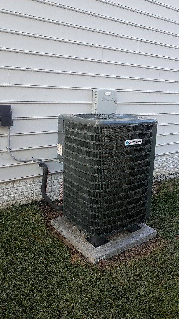 Lewes, DE - Completing installation of Arctic Air AC/Gas furnace system for a family in Lewes DE