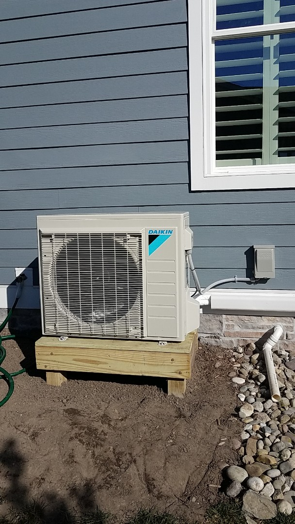 Selbyville, DE - Completing installation of Daikin mini split system for a family in Selbyville DE