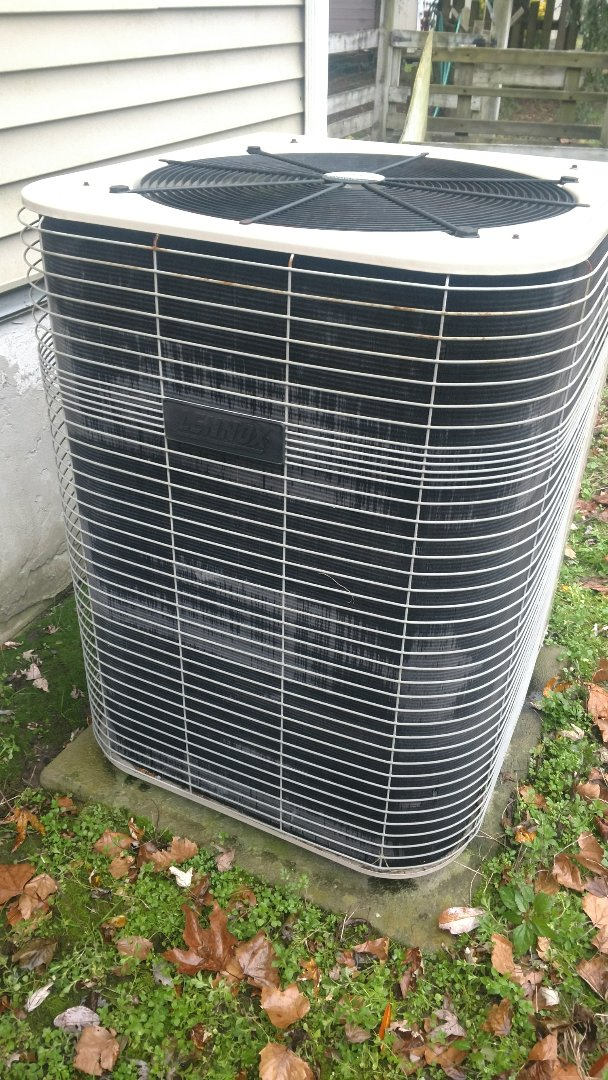 Berlin, MD - Performing maintenance on a Lennox heat pump for a couple in Berlin.