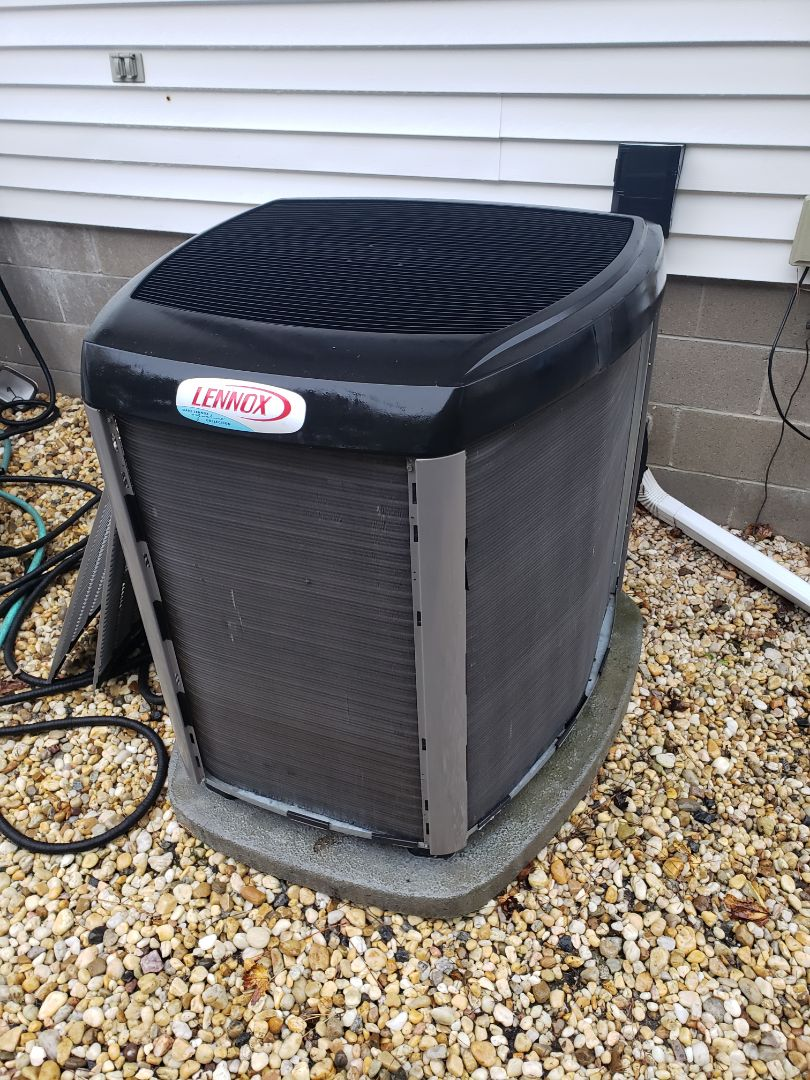 Selbyville, DE - Annual Heat Tune-Up on a 3 Ton Lennox Heat Pump, Single Family Home In Selbyville, DE.