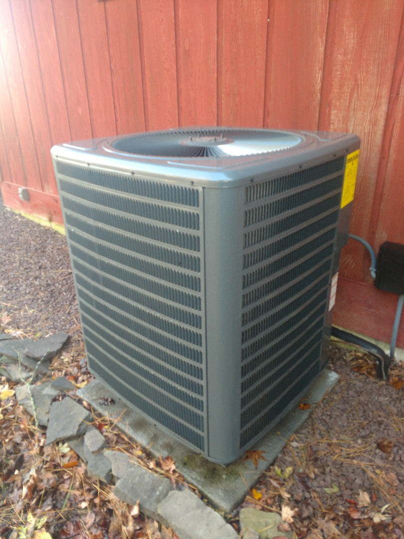 Bishopville, MD - Performing maintenance on an Arctic Air heat pump in Bishopville.