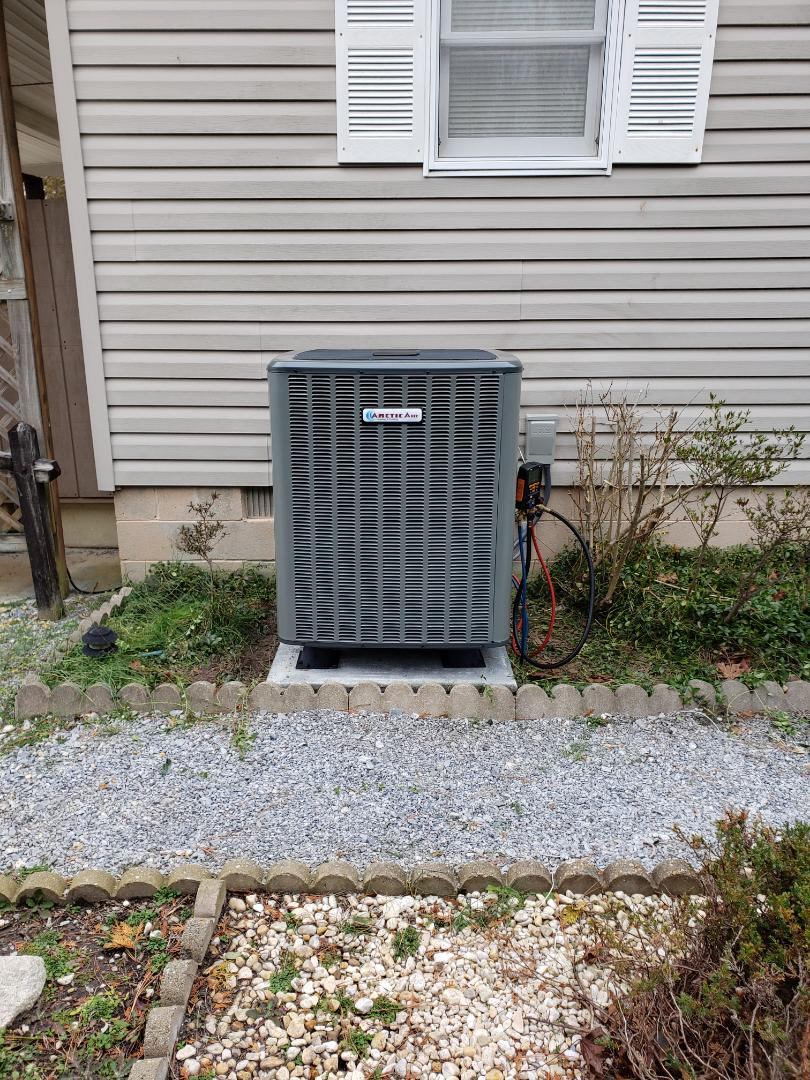 Bishopville, MD - Installing a new 16 seer Arctic Air heatpump system in a single family home in Bishopville Maryland in the Bayberry Estates development