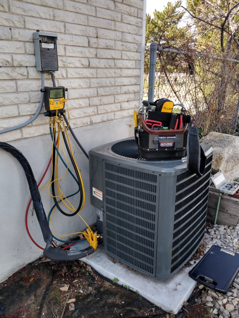 Murray, UT - Air conditioning check on Goodman AC