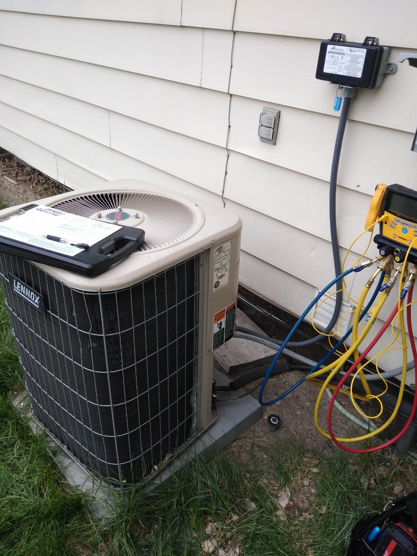 Salt Lake City, UT - Ac tune-up on Lennox air conditioner