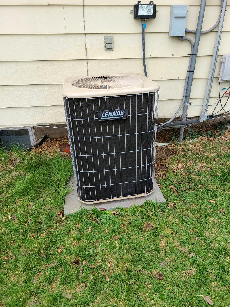 Taylorsville, UT - Air conditioning tuneup on Lennox air conditioner