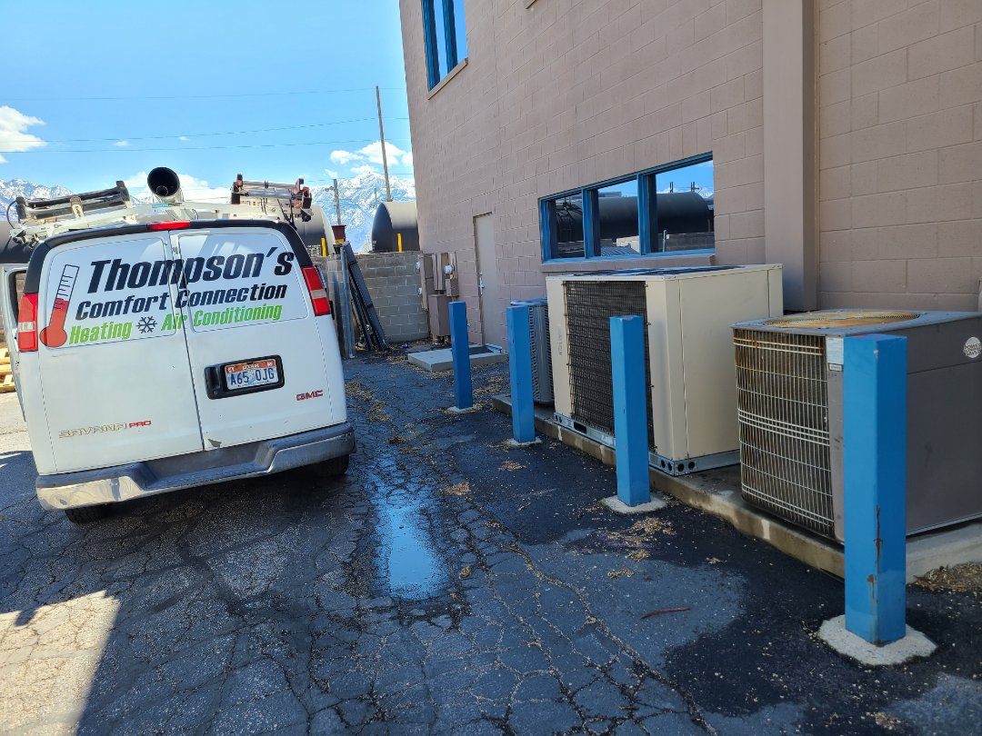 Murray, UT - Commercial maintenence in 4 Daikin rooftop units and one Amana air conditioner and 2 Lennox air conditioners