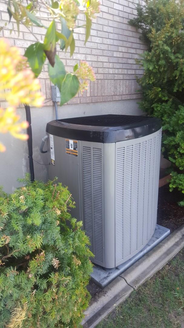 Draper, UT - Tune up on lennox air conditioner