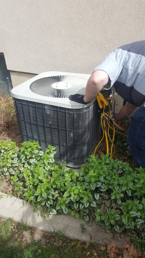 Midvale, UT - A/C tune up on a Goodman air conditioner