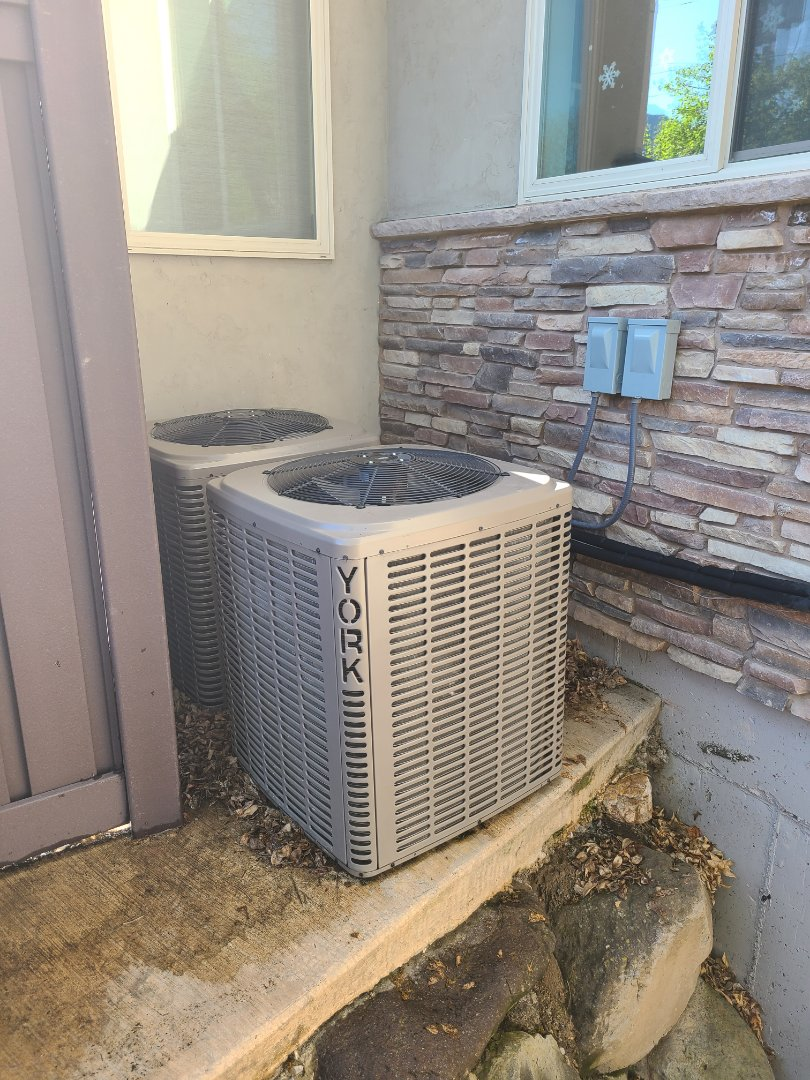 Holladay, UT - Air conditioning tuneup on two York air conditioners