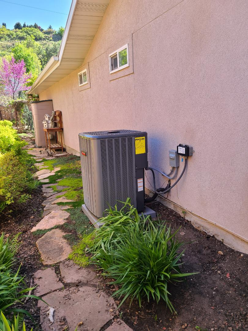 Cottonwood Heights, UT - Air conditioning tuneup on Amana air conditioner