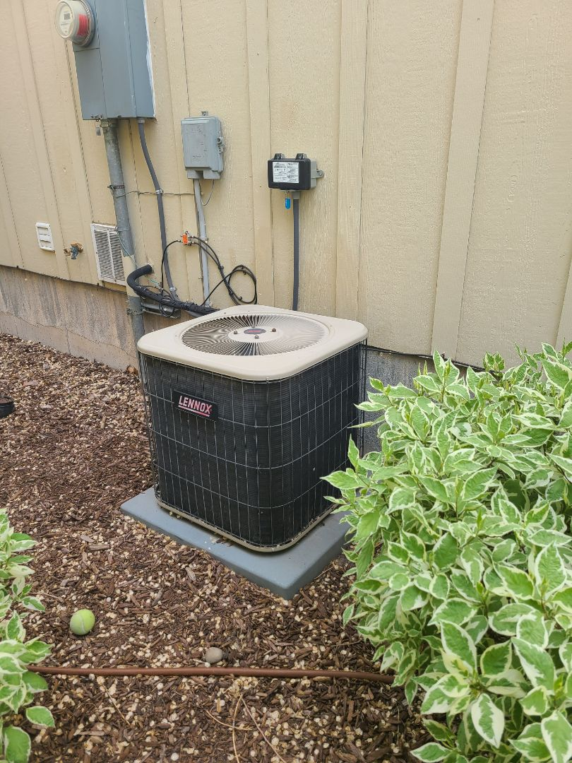 South Salt Lake, UT - Air conditioning diagnostic on Lennox air conditioner
