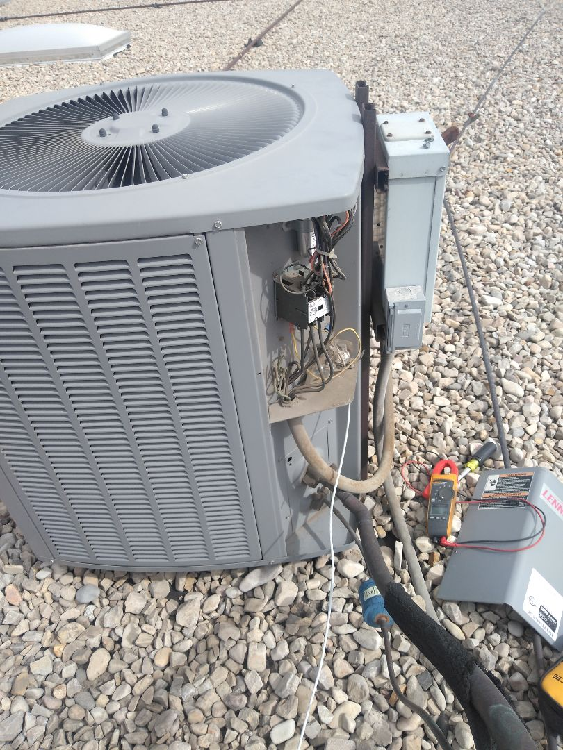Salt Lake City, UT - Air conditioning repair on Lennox air conditioner