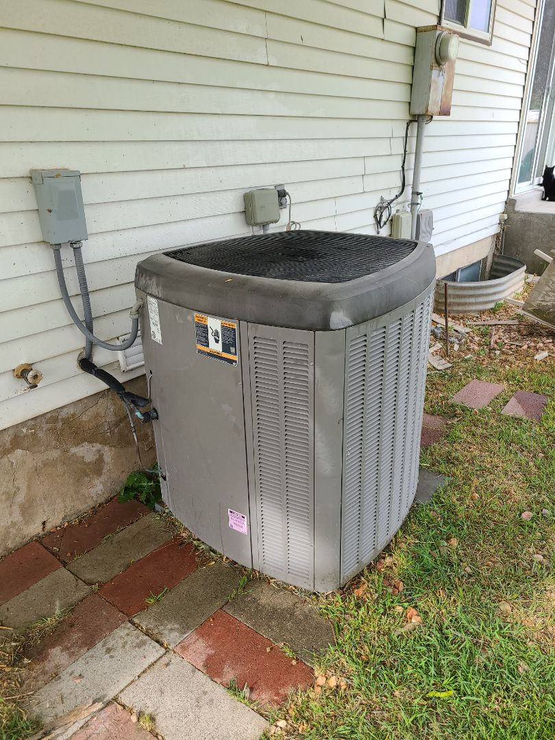 Riverton, UT - Air conditioning tuneup on Lennox air conditioner