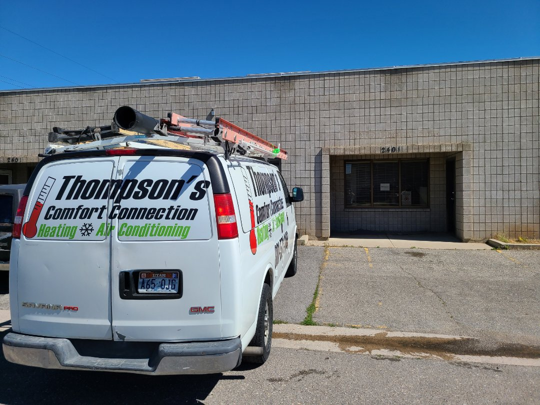West Valley City, UT - Air conditioning repair on Lennox rooftop air conditioner