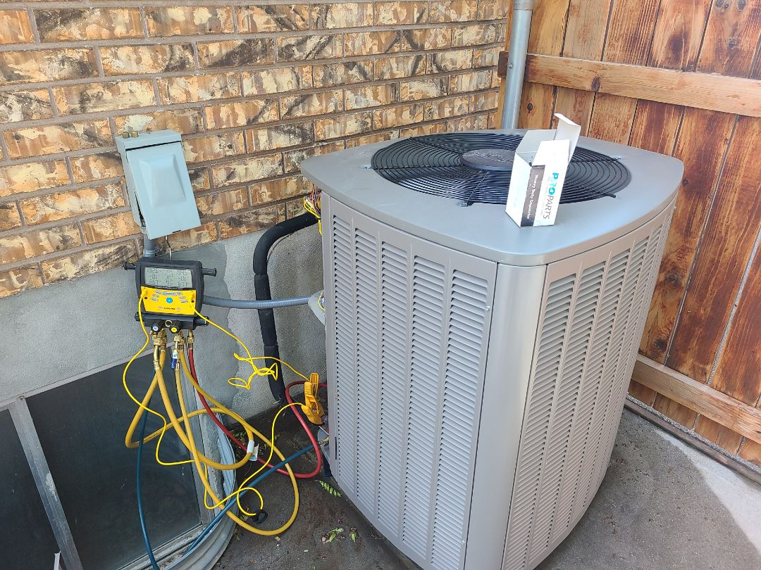 South Jordan, UT - Air conditioning tuneup on Lennox air conditioner