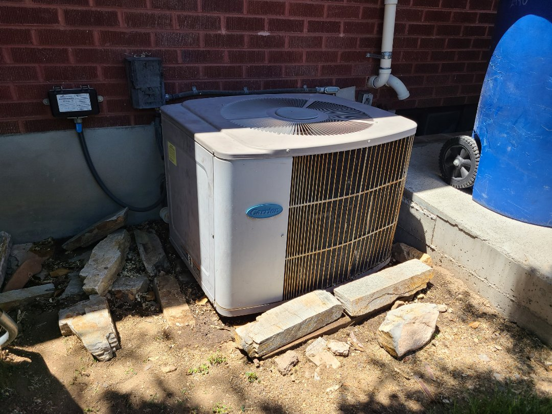 Kearns, UT - Air conditioning tuneup on Carrier air conditioner