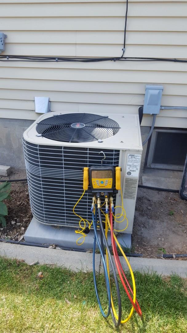 Kearns, UT - A/C repair on a Lennox air conditioner