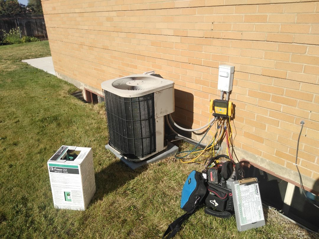 Cottonwood Heights, UT - Air conditioning repair on Goodman air conditioner