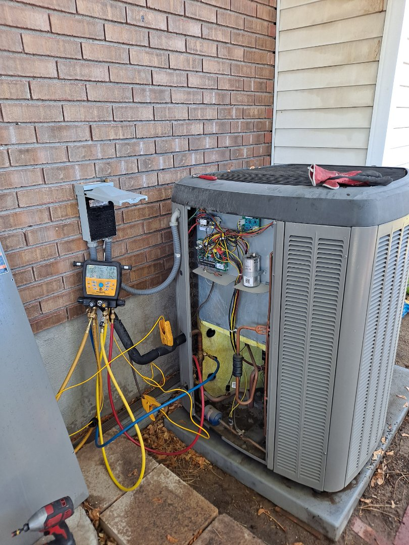 Sandy, UT - Air conditioner tune-up on Lennox Air conditioner