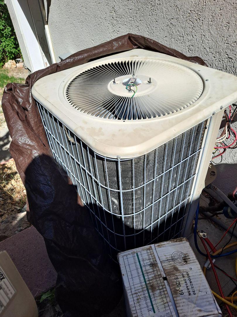 Draper, UT - Air conditioner repair on Lennox Air conditioner