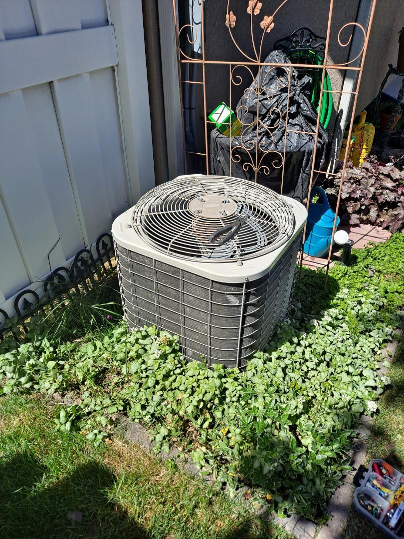 Air conditioner repair on Bryant Air conditioner