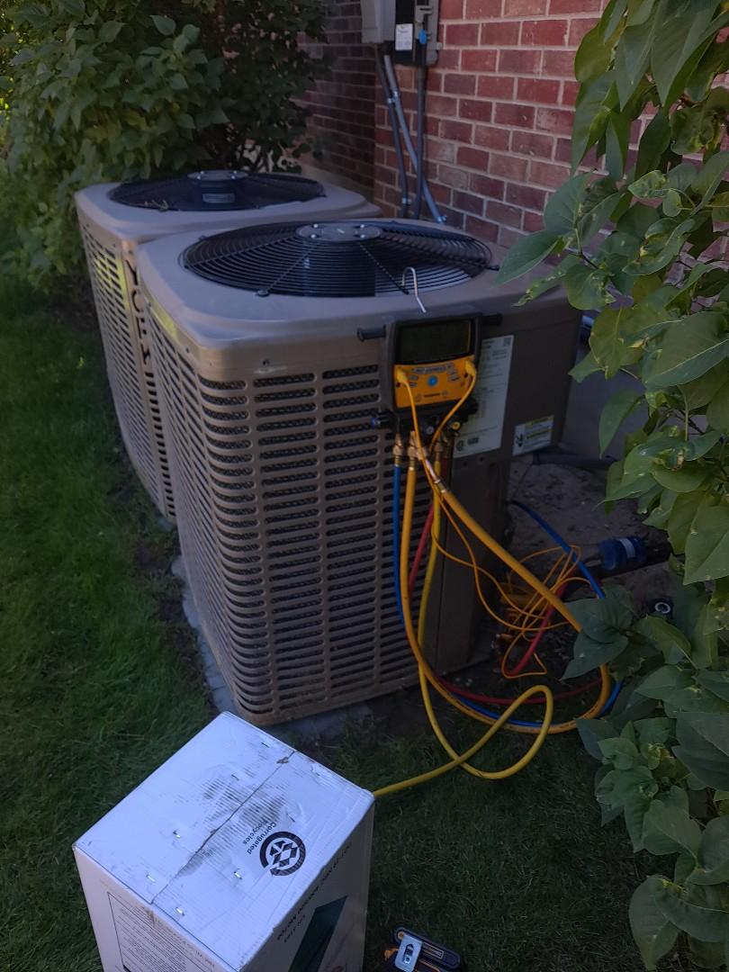 Air conditioner repair on York Air conditioner